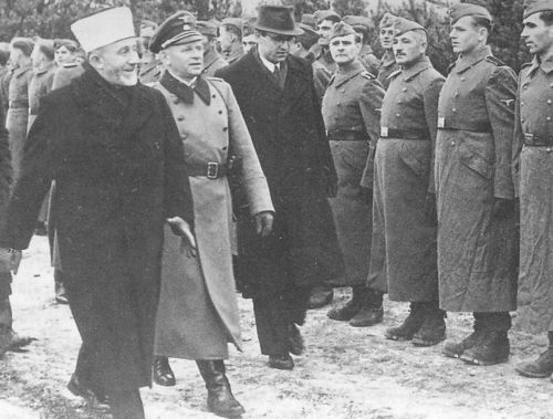 Grossmufti-inspecting-ss-recruits.jpg